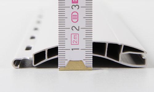 Die Nenndicke einer Rolladenlamelle messen.
